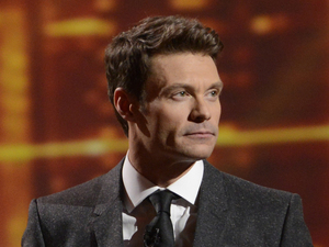'American Idol' Top 10 results show: Ryan Seacrest waits with Curtis Finch Jr and Devin Velez