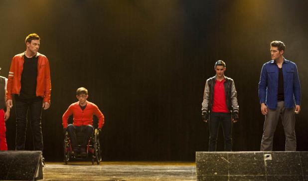 Glee S04E16: 'Feud'