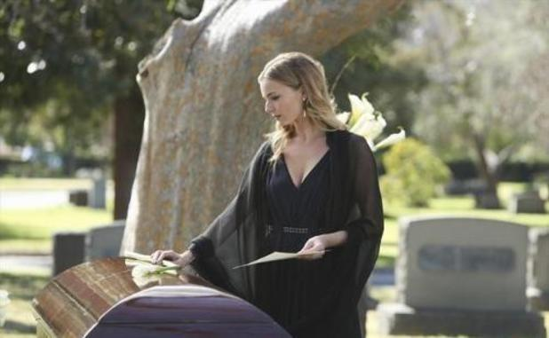 Revenge - &#39;Retribution&#39; (S02E15)Emily Thorne