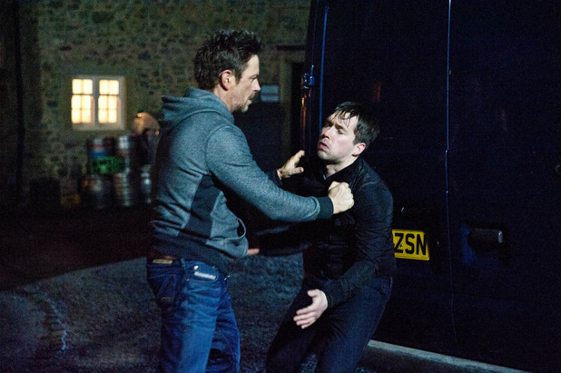 Cameron turns violent with Robbie