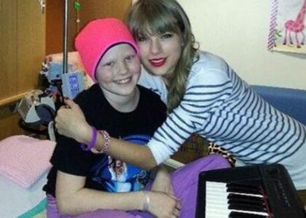 Taylor Swift visits 10-year-old cancer patient.