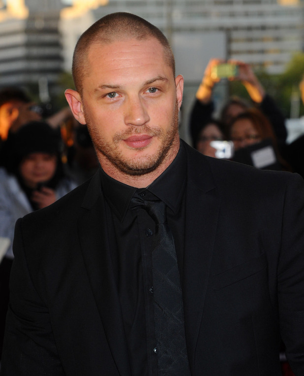 [Image: tom-hardy-shaved-head.jpg]