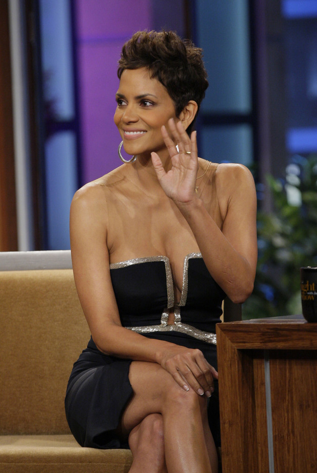 Halle Berry, The Tonight Show with Jay Leno, plunging dress