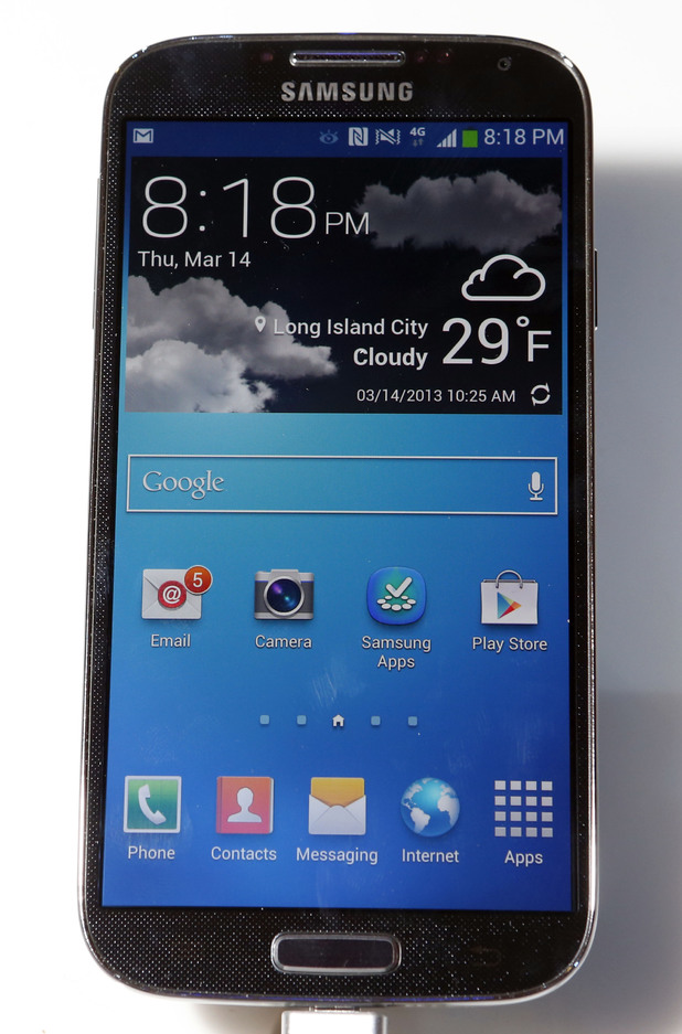 Samsung Galaxy S4 front view