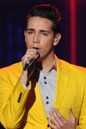 &#39;American Idol&#39; Top 9 performances: Lazaro Arbos
