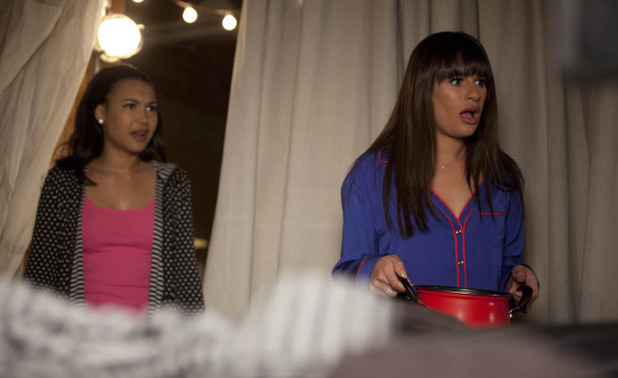 Santana (Naya Rivera) and Rachel (Lea Michele) in Glee S04E17: 'Guilty Pleasures'