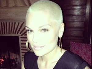 Jessie J dyes her shaved head blonde