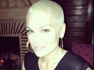 Jessie J dyes her shaved head blonde