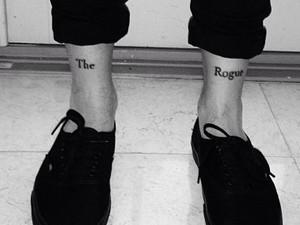 Louis Tomlinson&#39;s new tattoo posted on Instagram