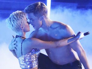 Dancing with the Stars 2013 - week 2: Kellie Pickler and Derek Hough