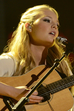 'American Idol' Top 8 performances: Janelle Arthur