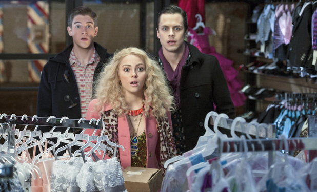 AnnaSophia Robb as Carrie Bradshaw in The Carrie Diaries S01E11: 'Identity Crisis'