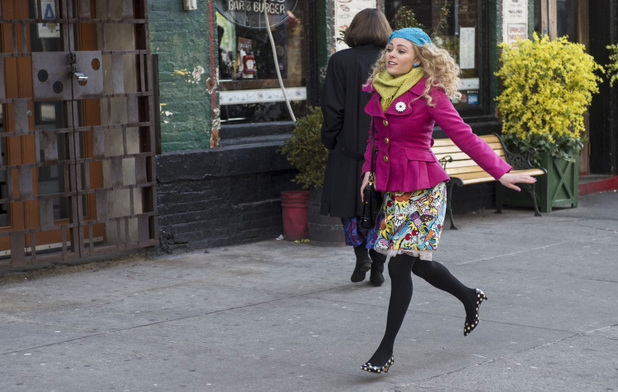 AnnaSophia Robb as Carrie Bradshaw in The Carrie Diaries S01E11: 'Identity Crisis'