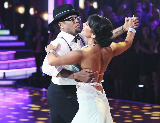 Dancing with the Stars 2013 - week 2: DL Hughley and Cheryl Burke