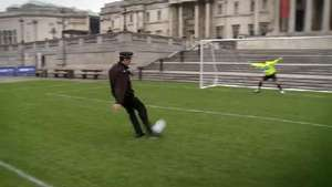 David Seaman and Jeff Stelling penalty shoot-out
