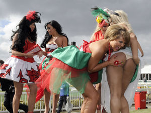 The Valleys, Aintree, Grand National Festival