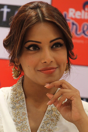 Bipasha Basu, Malaika Khan in London for Bollywood Showstoppers Tour