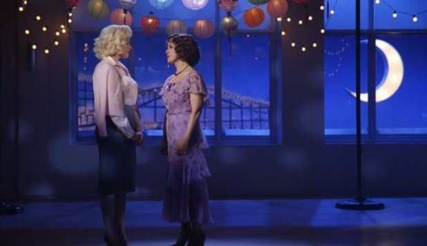 Megan Hilty as Ivy Lynn, Bernadette Peters as Leigh Conroy in Smash S02E09: 'The Parents'