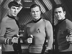 William Shatner and Zachary Quinto honor Star Trek's Leonard Nimoy