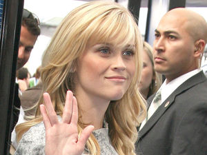 Reese Witherspoon does a Vulcan salute at the 'Monsters vs. Aliens' film premiere in Los Angeles, 2009