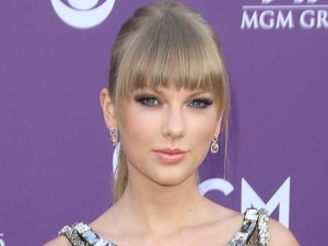 Taylor Swift arriving at the Academy of Country Music Awards 2013
