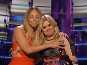 Kelly Clarkson, Mariah Carey meet on American Idol