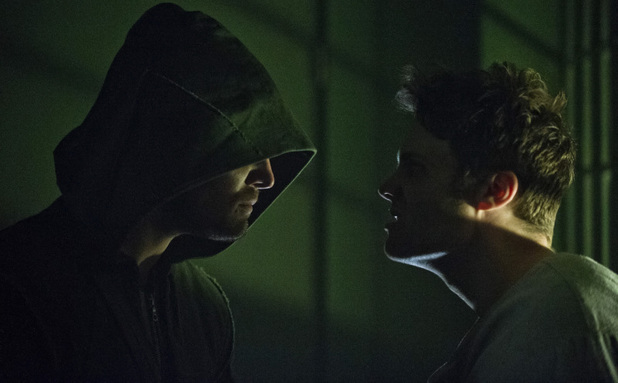 Stephen Amell as The Arrow and Seth Gabel as The Count in Arrow S01E09: 'Unfinished Business'