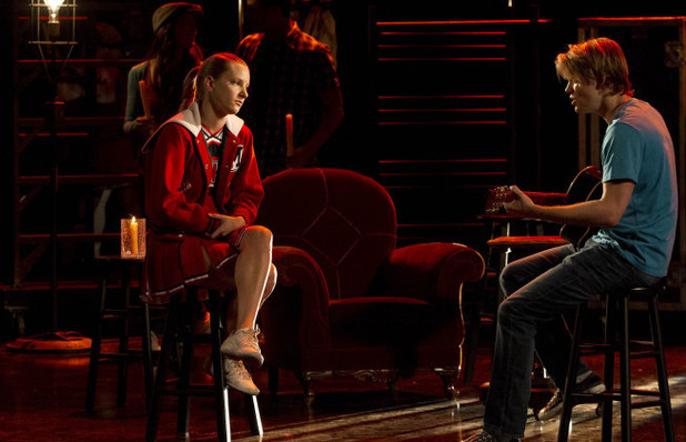 Sam (Chord Overstreet) sings to Brittany (Heather Morris) in Glee S04E18: 'Shooting Star'