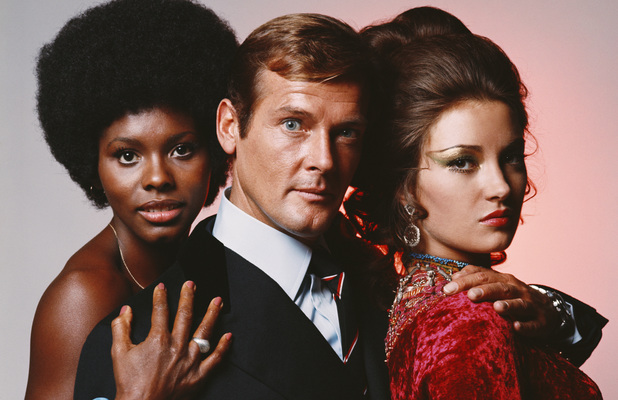 Roger Moore with 'Live and Let Die' co-stars Gloria Hendry and Jane Seymour.
