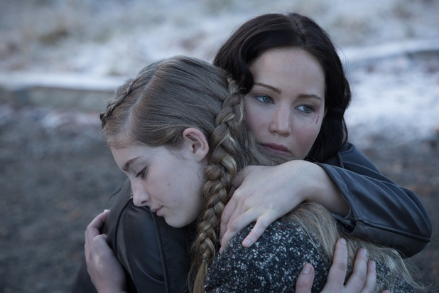 Jennifer Lawrence, Willow Shields in The Hunger Games: Catching Fire.