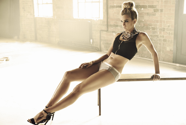 Look magazine, Ashley Roberts