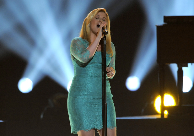 Kelly Clarkson performs at the Academy of Country Music Awards 2013
