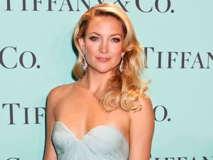 Kate Hudson, strapless mint green Reem Acra dress, Tiffany and Co. Blue Book Ball, New York