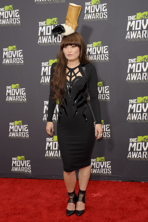 Hana Mae Lee, bad fashion, MTV Movie Awards 2013
