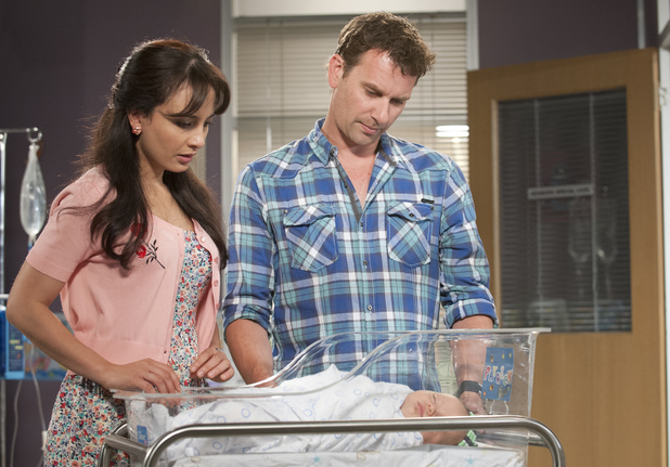 Vanessa and Lucas prepare for Patrick's operation.
