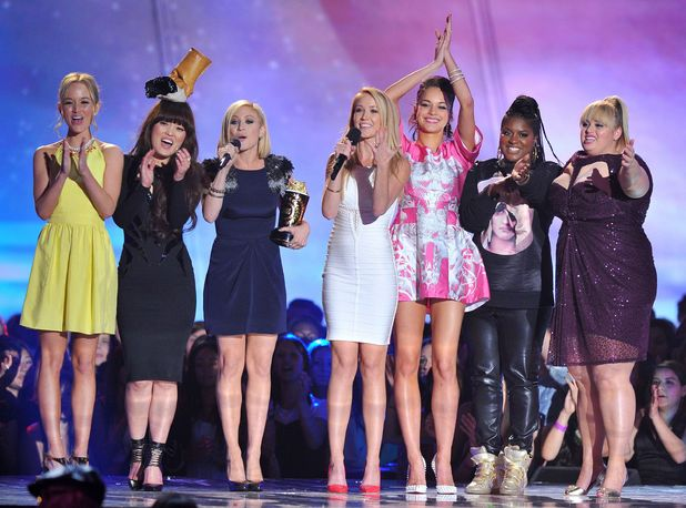 Rebel Wilson and the cast of 'Pitch Perfect' accept the 'Best Musical Moment' award at the MTV Movie Awards 2013