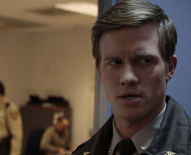 Roderick's (Warren Kole) role as sheriff is called into question in The Following S01E13: 'Havenport'