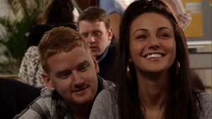 'Coronation Street': Izzy feels left out at antenatal class