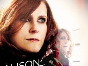 Alison Moyet 'the minutes' album artwork.