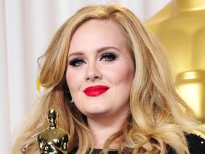 Adele with the &#39;Best Original Song&#39; Oscar for &#39;Skyfall&#39;