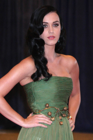 Katy Perry attends the 2013 White House Correspondents' Association Dinner.