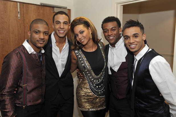 JLS meet Beyoncé at the X Factor final ~~ December 2008