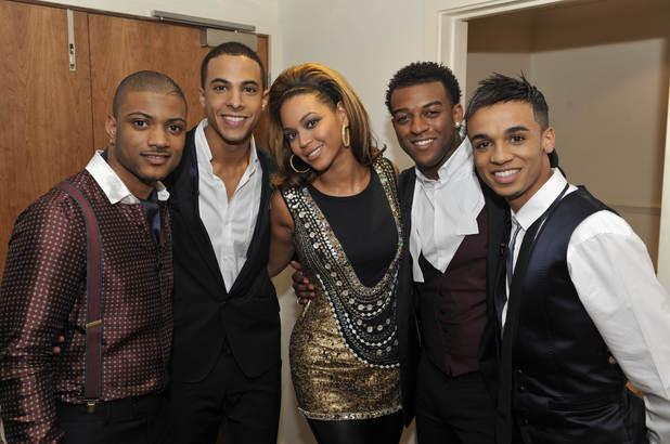 JLS meet Beyoncé at the X Factor final ~~ December 2008