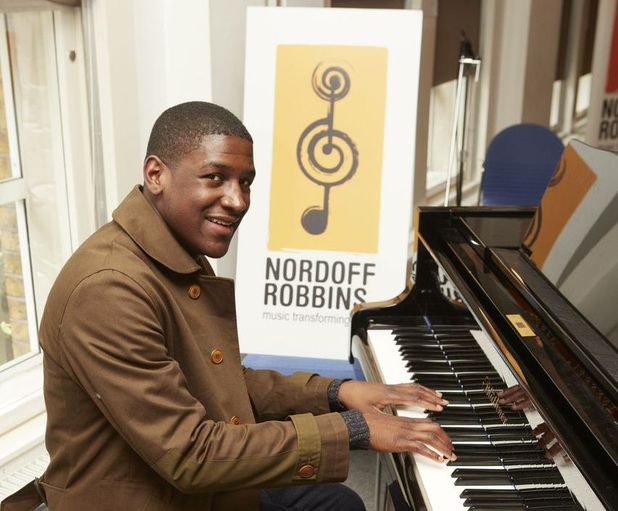 Labrinth at Nordoff Robbins music therapy class