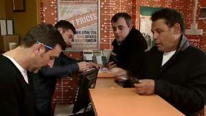 'Coronation Street': Rob upstaged at the bookies