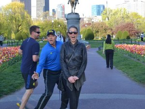 Kevin Spacey photobombs woman while jogging