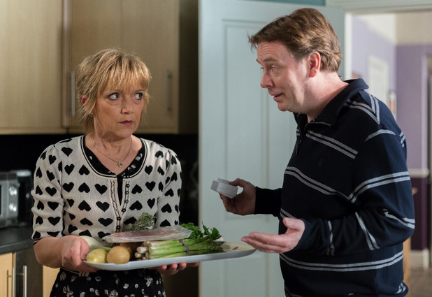 Jean attempts to rustle up a meal to match up to Ian's standards for the new restaurant.