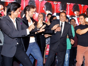 Shahrukh Khan, Hrithik Roshan, Dharmendra and Aamir Khan during the music launch ceremony of Yamla Pagla Deewana 2 in Mumbai