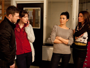 8132: Rob comforts an upset Tracy as she explains how two men threatened her and stole the van containing the silk. Michelle is sceptical as Carla prays the 20k silk theft had nothing to do Rob