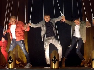 The Wanted in 'Walks Like Rihanna' video